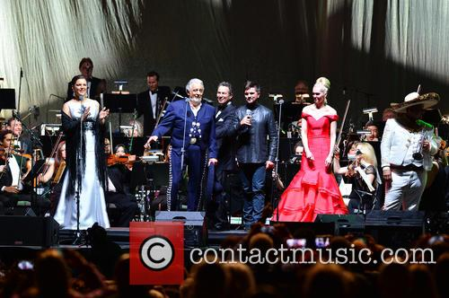 Virginia Tola, Placido Domingo, Eugene Kohn, Juanes, Micaela Oeste and Mariachi Si Senor 9