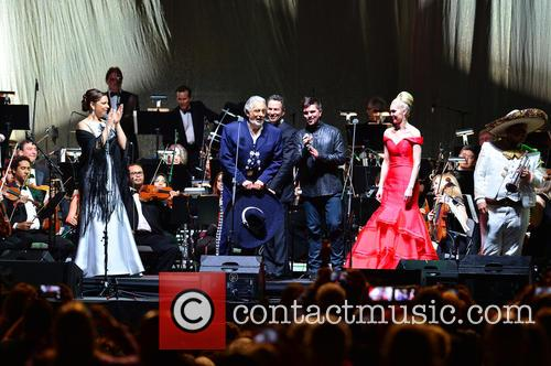 Virginia Tola, Placido Domingo, Eugene Kohn, Juanes, Micaela Oeste and Mariachi Si Senor 10