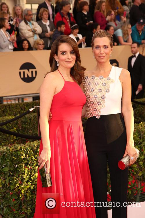 Tina Fey and Kristen Wiig 1