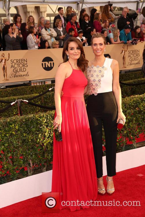Tina Fey and Kristen Wiig 5