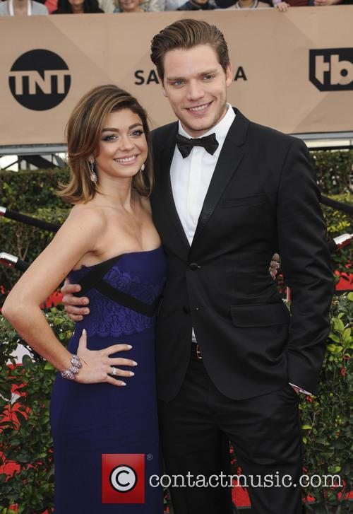 Sarah Hyland and Dominic Sherwood 1