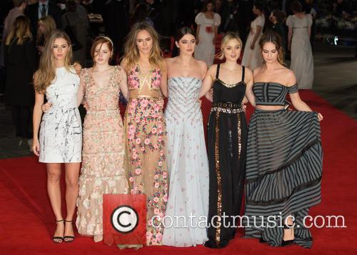 Hermione Corfield, Ellie Bamber, Suki Waterhouse, Millie Brady, Bella Heathcote and Lily James 3