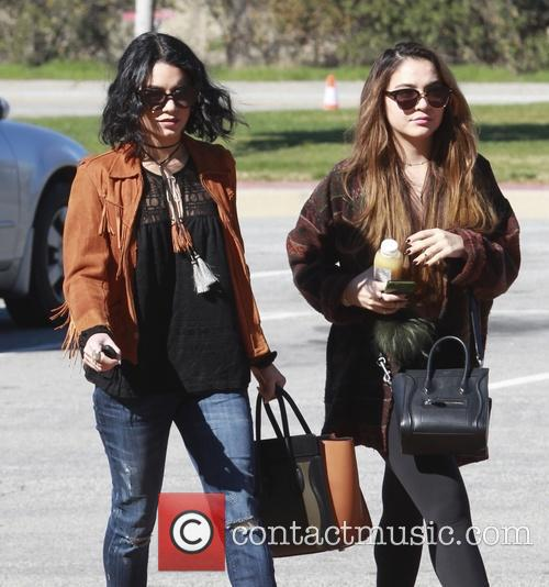 Vanessa Hudgens and Stella Hudgens 4