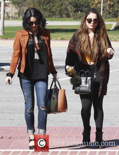 Vanessa Hudgens and Stella Hudgens 7