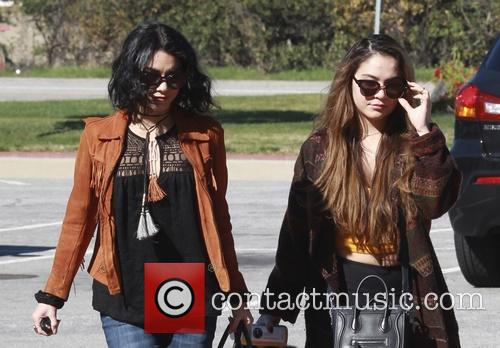 Vanessa Hudgens and Stella Hudgens 9
