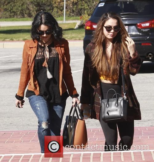 Vanessa Hudgens and Stella Hudgens 11