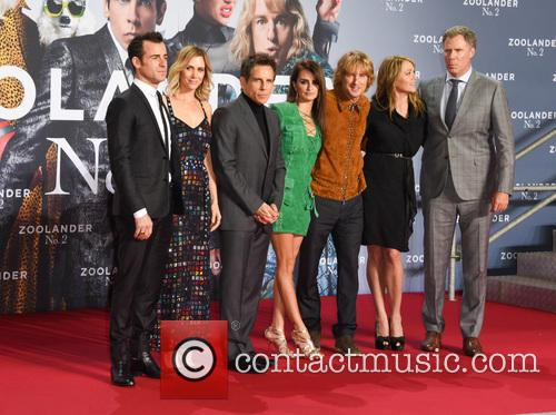 Justin Theroux, Kristen Wiig, Ben Stiller, Penelope Cruz, Owen Wilson, Christine Taylor and Will Ferrell 9