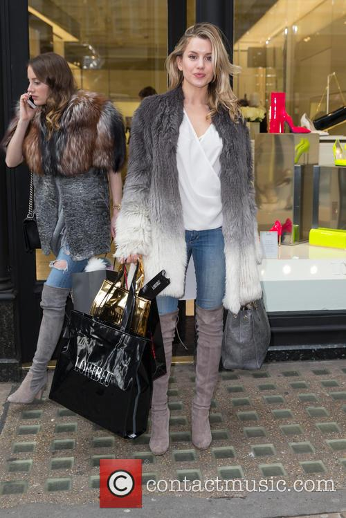 Caggie Dunlop and Rosie Fortescue 3