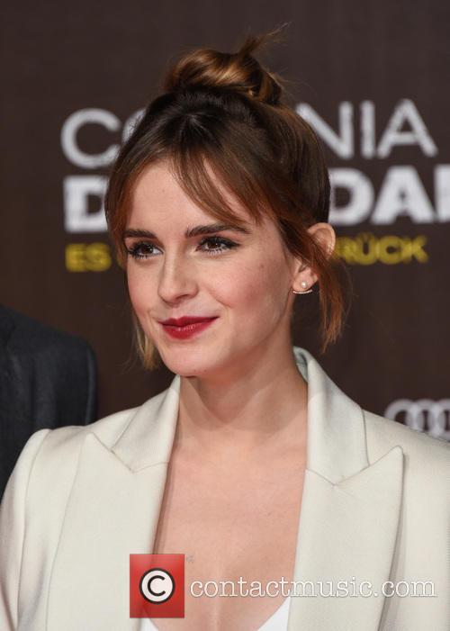 Awkward Emma Watson Beatboxes For Lin-manuel Miranda
