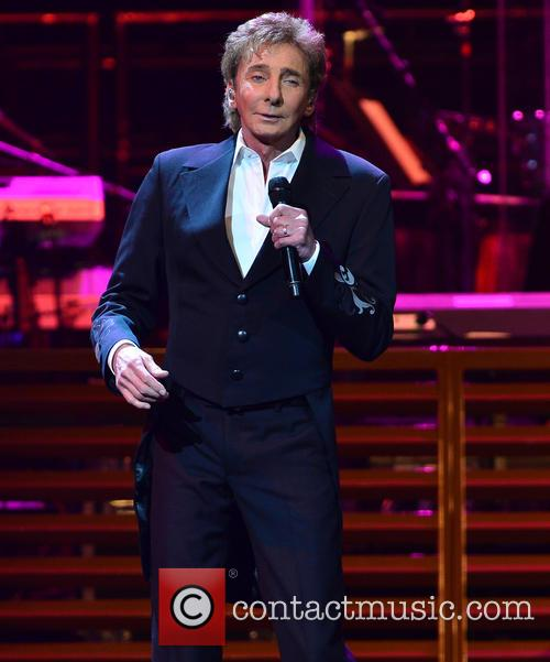 Barry Manilow photographed in concert in 2016