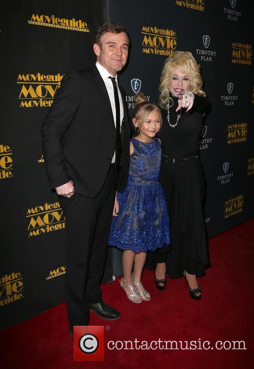 Ricky Schroder, Alyvia Alyn Lind and Dolly Parton 1