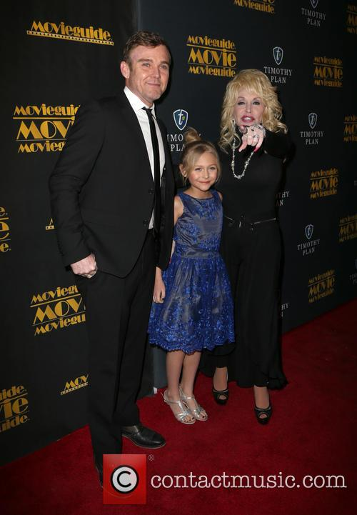 Ricky Schroder, Alyvia Alyn Lind and Dolly Parton 2