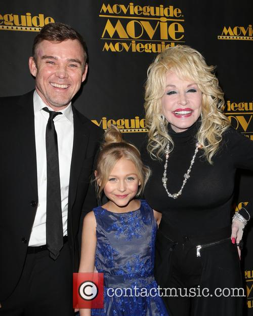 Ricky Schroder, Alyvia Alyn Lind and Dolly Parton 8