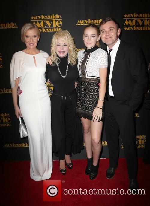 Andrea Bernard, Dolly Parton, Cambrie Schroder and Ricky Schroder 1
