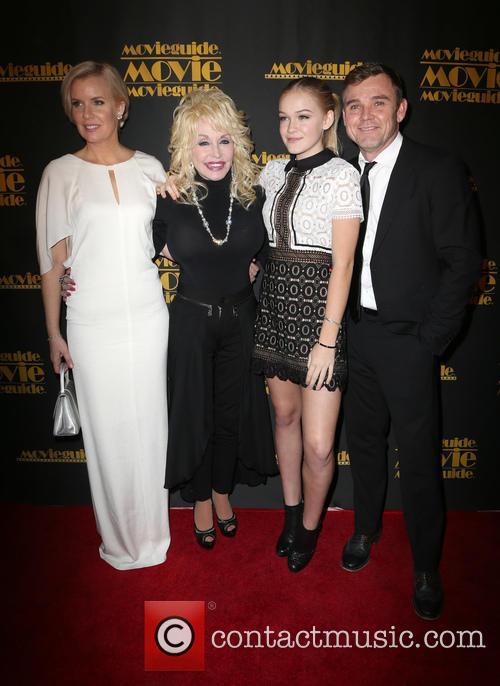 Andrea Bernard, Dolly Parton, Cambrie Schroder and Ricky Schroder