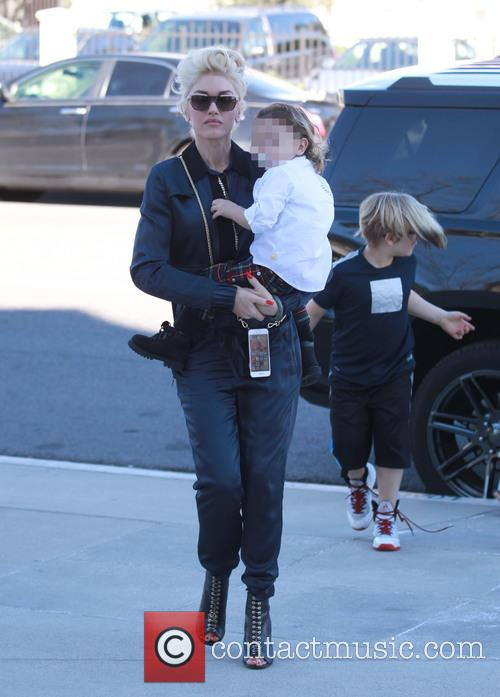 Gwen Stefani, Apollo Rossdale and Zuma Rossdale 7