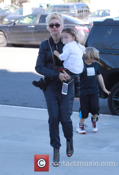 Gwen Stefani, Apollo Rossdale and Zuma Rossdale 8