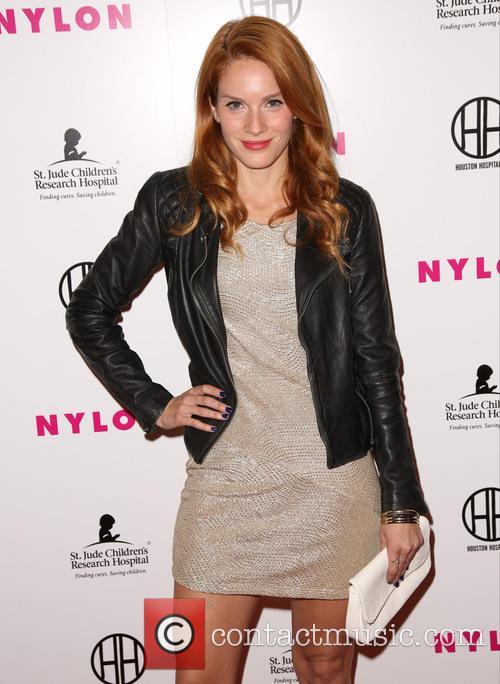 Stephanie Lynn 4