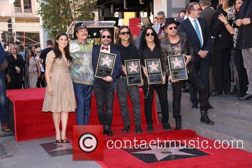 America Ferrera, Carlos Santana and Maná 4