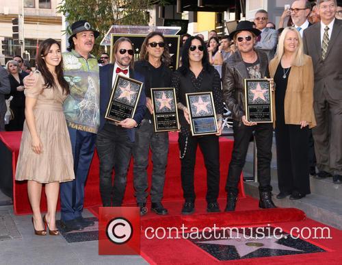 America Ferrera, Carlos Santana, Alex Gonzalez, Sergio Vallin, Juan Calleros, Fher Olvera, Guest and Leron Gubler 7