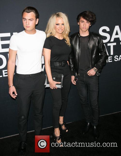 Brandon Lee, Pamela Anderson and Dylan Lee 3