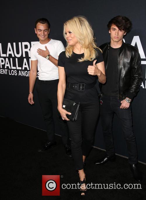 Brandon Lee, Pamela Anderson and Dylan Lee 5