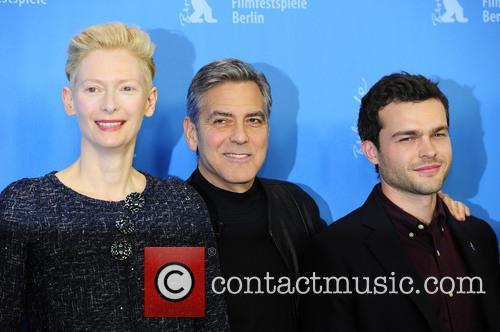 Tilda Swinton, George Clooney and Alden Ehrenreich 4