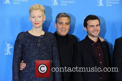 Tilda Swinton, George Clooney and Alden Ehrenreich 7