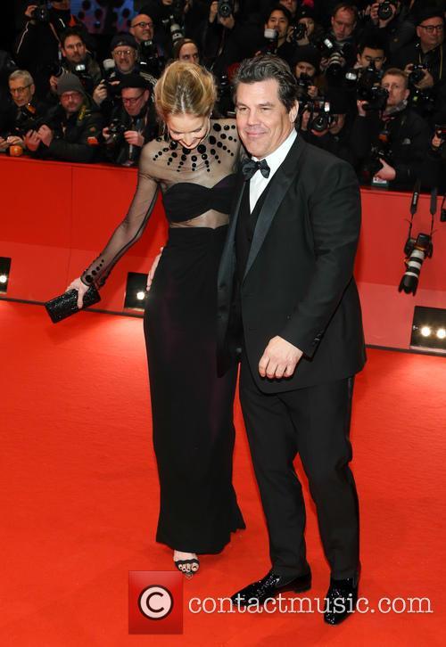 Josh Brolin and Kathryn Boyd 1