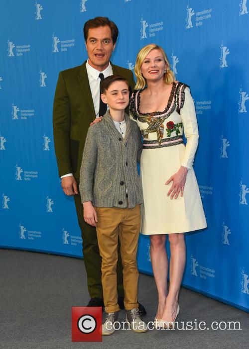 Kirsten Dunst, Jaeden Lieberher and Michael Shannon 6