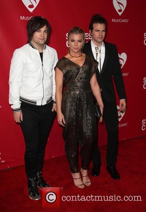 Lionel Richie, Neil Perry, Kimberly Perry and Reid Perry 9