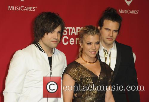 Neil Perry, Kimberly Perry and Reid Perry 3
