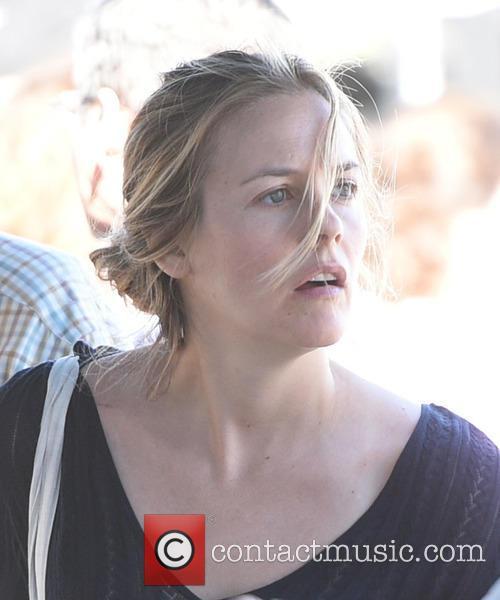 Alicia Silverstone takes her son to the Farmers...