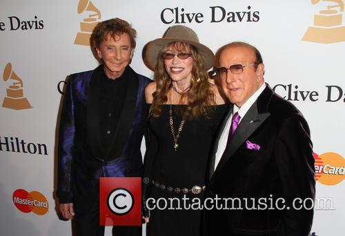 Barry Manilow, Carly Simon and Clive Davis 8