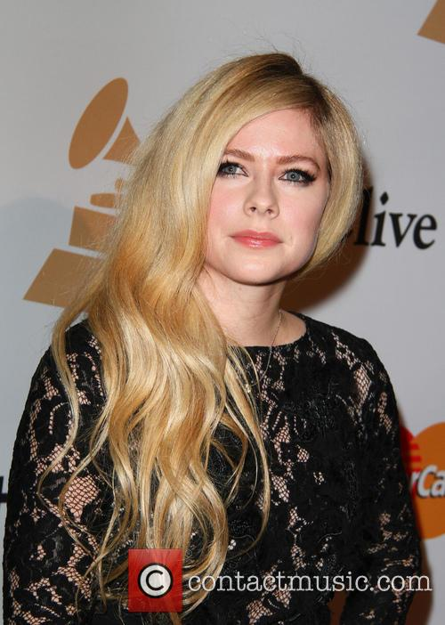 Avril Lavigne at 2016 pre-Grammy party