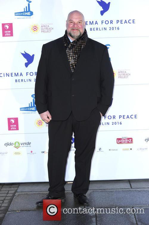Peace and Jörg Moukaddam 7