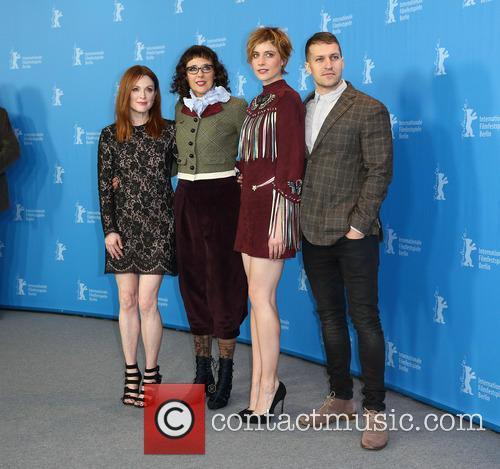 Greta Gerwig, Julianne Moore, Rebecca Miller and Damon Cardasis 3