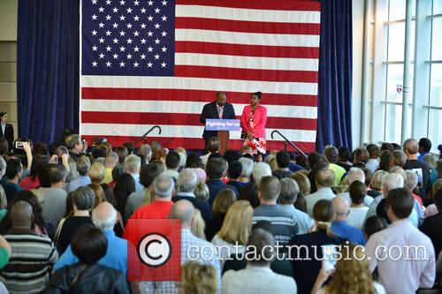 Bill Clinton, Riviera Beach Mayor Thomas A. Masters and Kashamba Miller Anderson 1