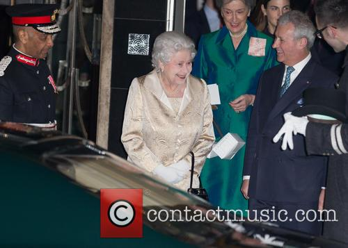 Hm The Queen and Elizabeth Ii 5