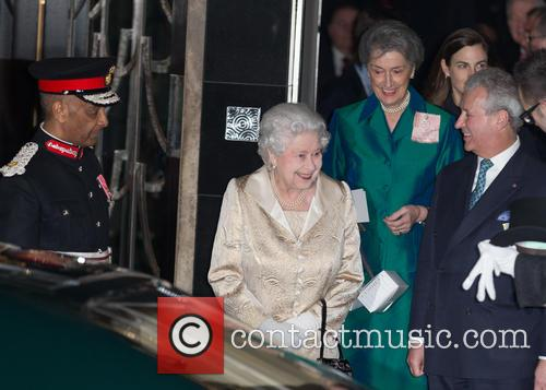 Hm The Queen and Elizabeth Ii 6