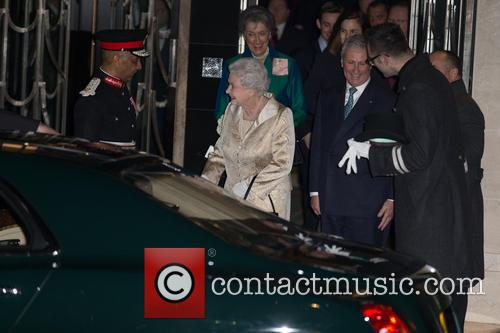 Hm The Queen and Elizabeth Ii 7