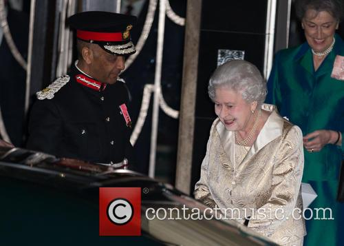 Hm The Queen and Elizabeth Ii 11