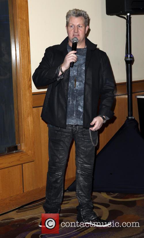 Gary Levox 4