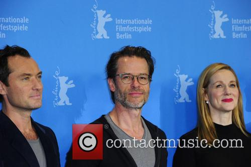 Jude Law, Guy Pearce and Laura Linney 3