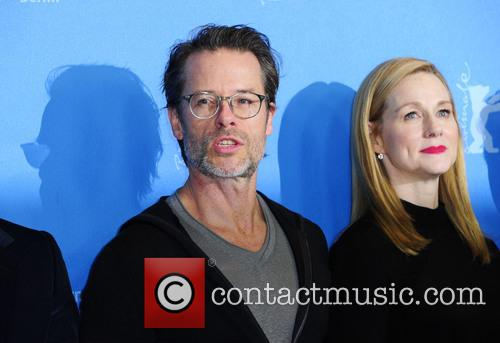 Guy Pearce and Laura Linney 2