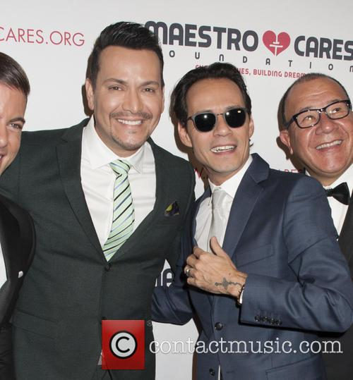 Victor Manuelle and Marc Anthony 3