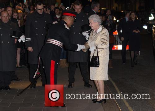 Hm The Queen and Elizabeth Ii 2