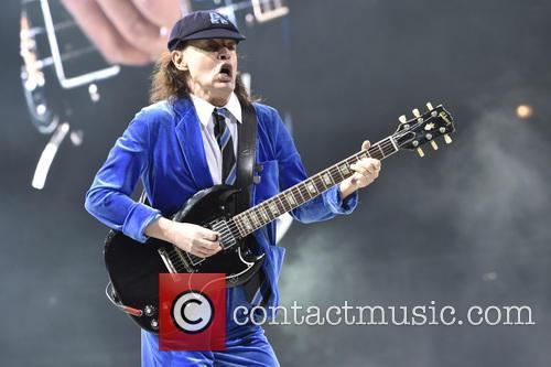 Angus Young 2