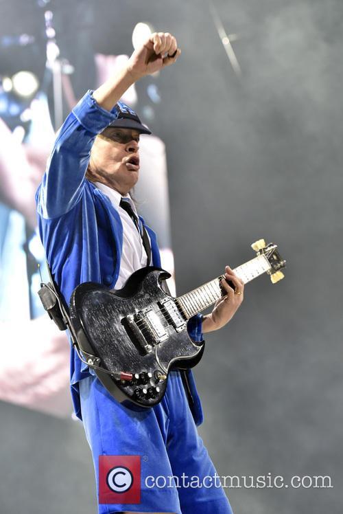 Angus Young 4