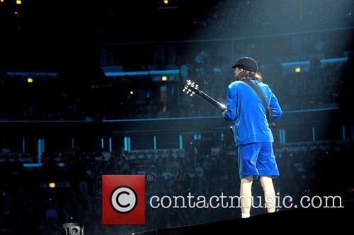 Angus Young 3